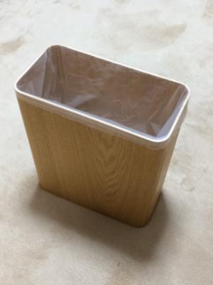 0102018a (無印)木製ごみ箱に「ロール式ごみ袋15L用」をセット3