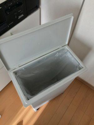 0102021 「ロール式ごみ袋20L用」をセット